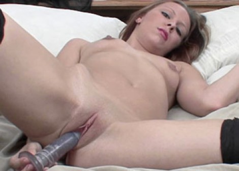 Penelope Sky fucks her tight twat